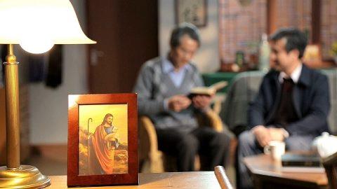 Бога зовут Иегова, а также Иисусом — Почему имена Бога отличаются?